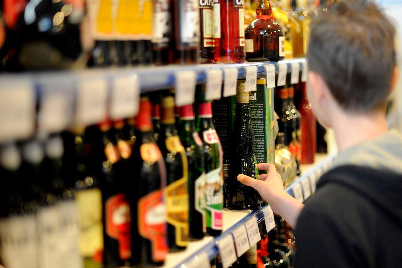 Получить лицензию на торговлю алкоголем станет проще