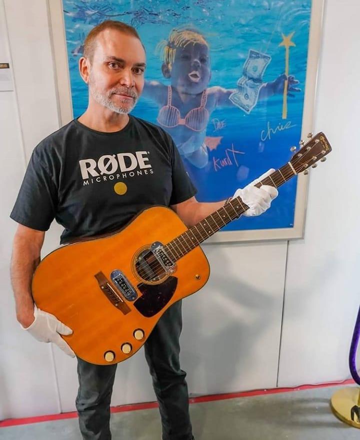 Зарекордные $6 млн продали нааукционе гитару Курта Кобейна